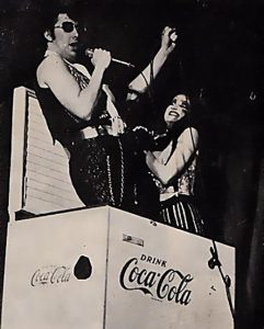 Eddie chantant Hot Patootie à Columbia